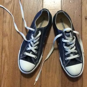 Converse All Stars like new size 8